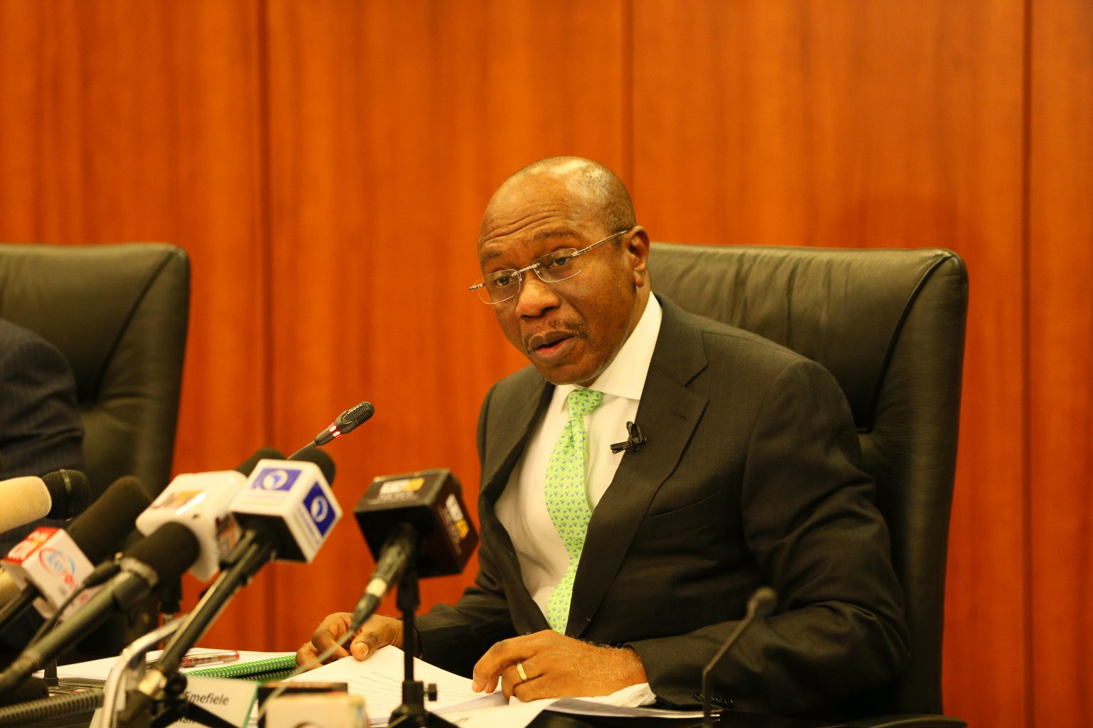 Nigeria's central bank will keep controversial FX system