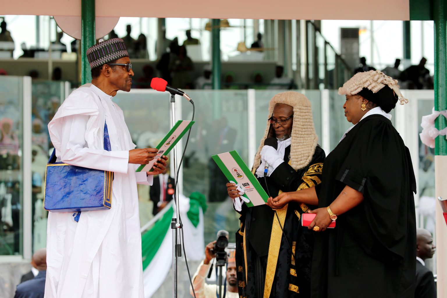 Nigerian President Muhammadu Buhari takes the oath of office during his inauguration for a second term in Abuja