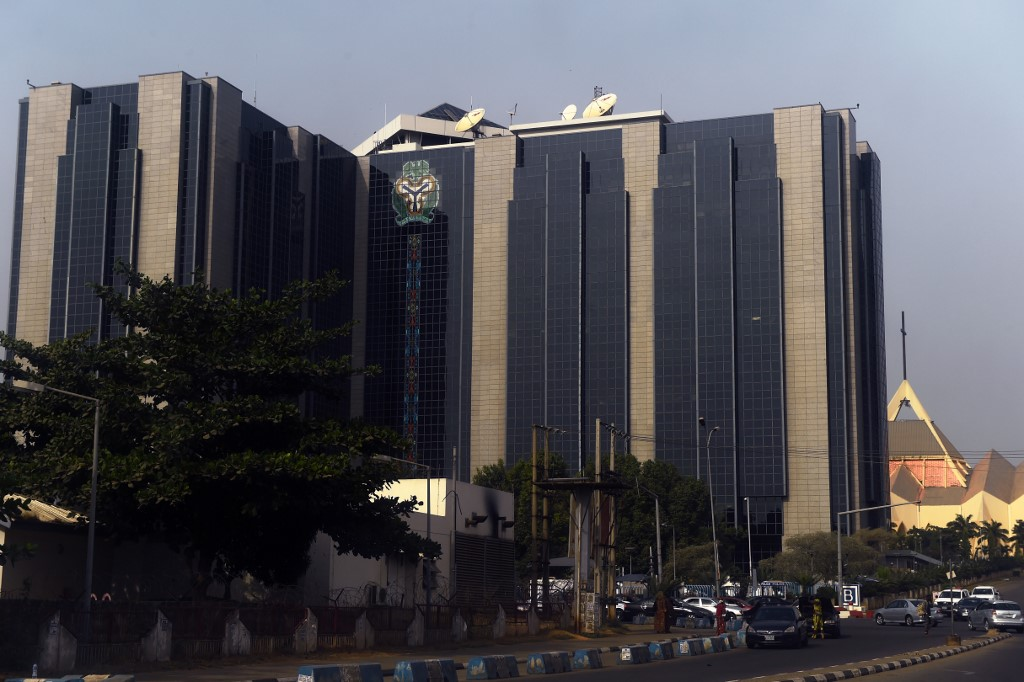 Nigeria's central bank holds benchmark interest rate