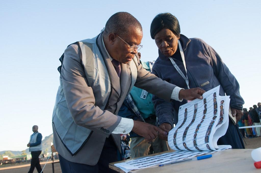 Malawi begins tough three-way election