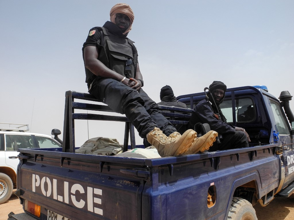 Two police officers, five others killed in Mali border attack