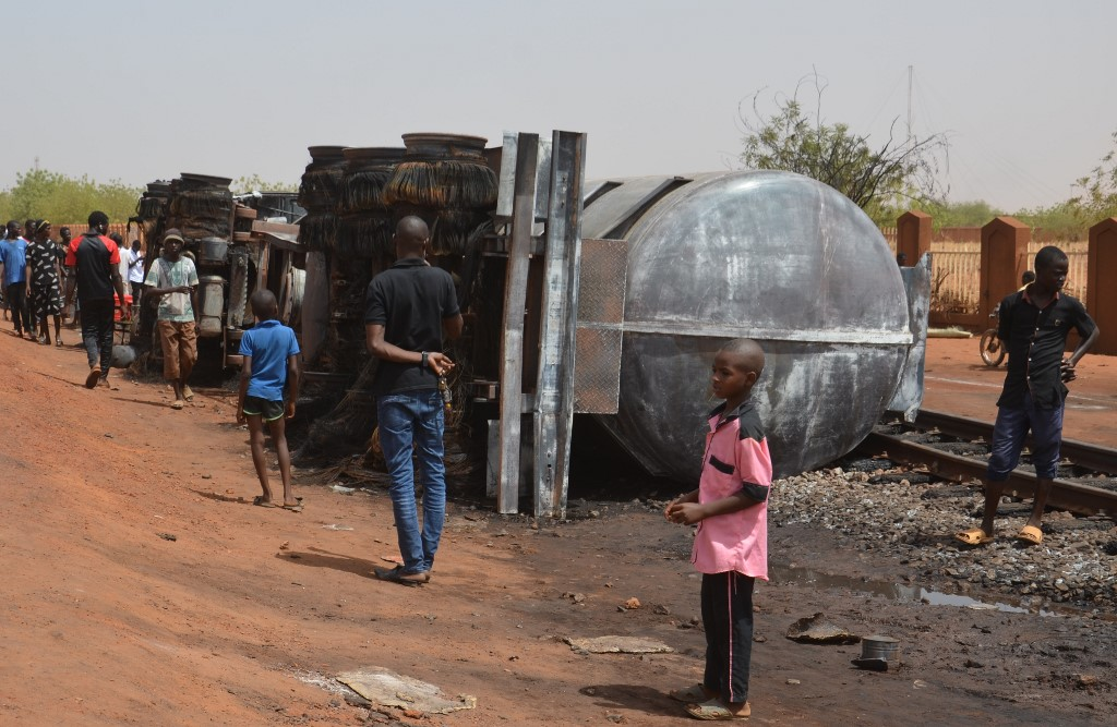 Niger tanker truck explosion death toll rises to 76 -state television