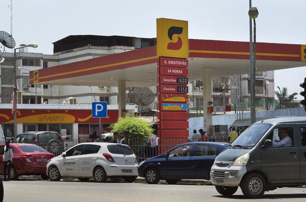 Angola president sacks Sonangol head