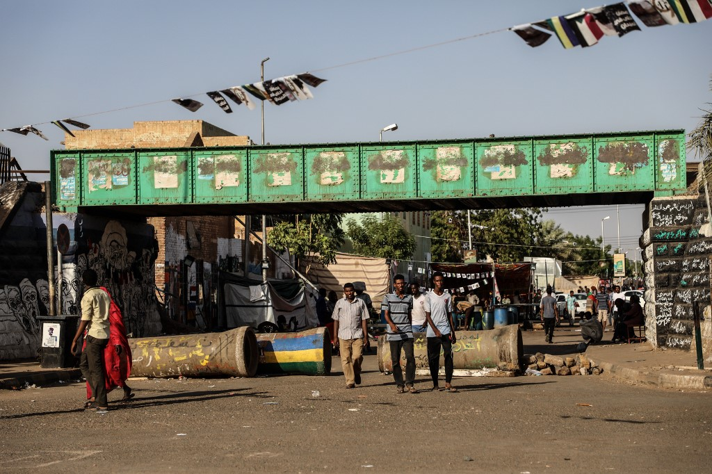 Fresh clashes force Sudan army to suspend planned talks with protesters