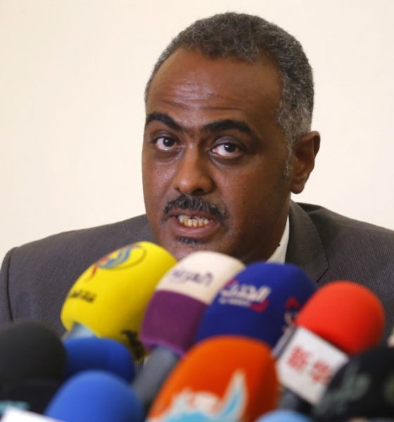 Protest leaders agree to hold talks with Sudan's ruling generals