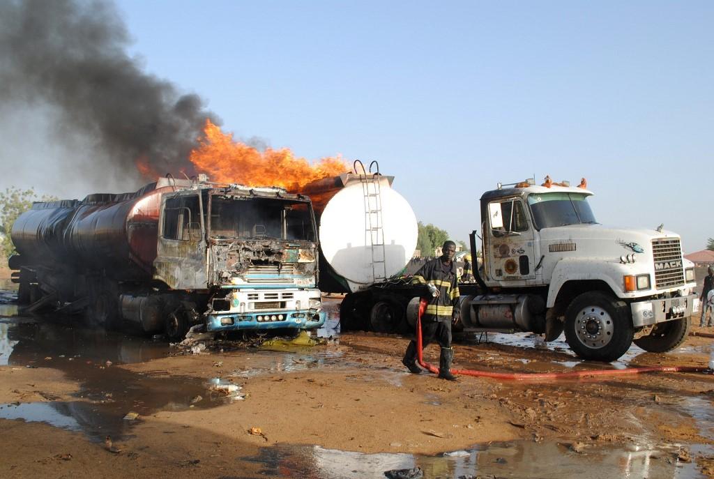 Fuel tanker explosion kills 10 in Nigeria