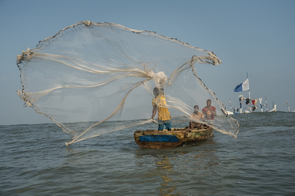 """Ghanaian fishermen decry illegal """"saiko"""" practices and declining stocks"""