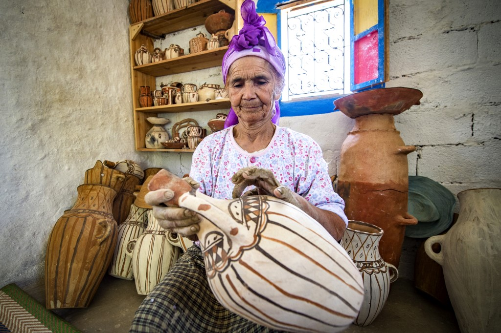 Morocco's last woman-potters hope on social media for survival