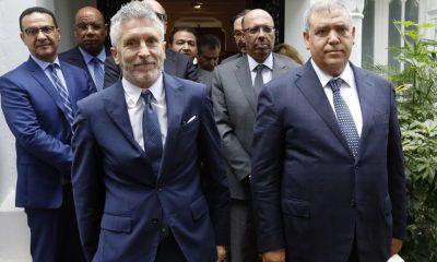 Moroccan Interior Minister Abdelouafi Laftit (R) and his Spanish counterpart Fernando Grande