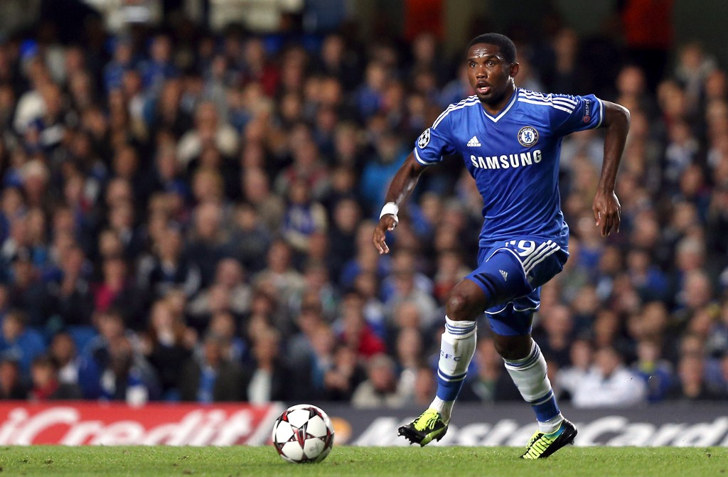 Chelsea's Cameroonian striker Samuel Eto'o runs with the ball during the UEFA Champions League Group E football match