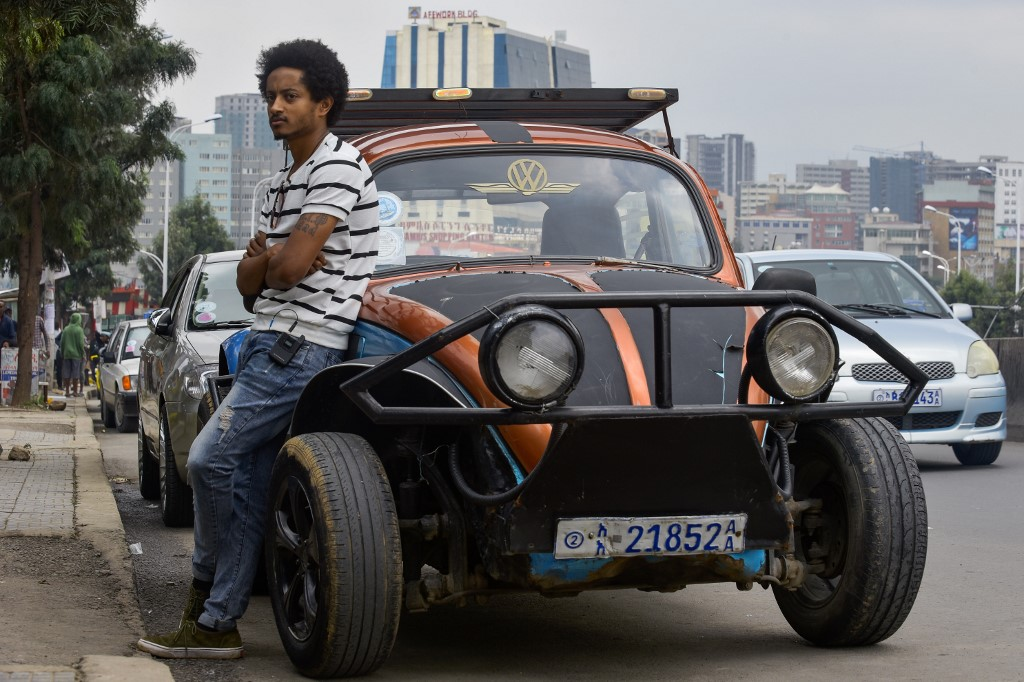 "Ethiopian youths ""pimp out"" jalopy Beetles to revive auto culture"