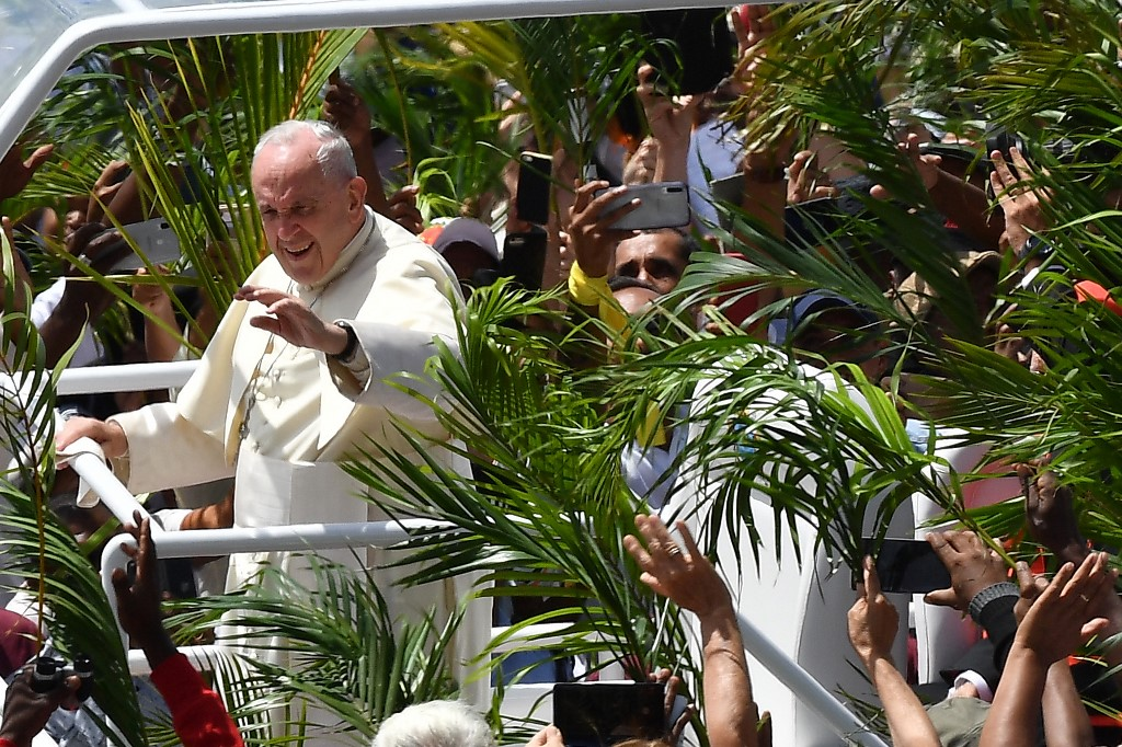 Pope Francis ends three-nation Africa tour in Mauritius