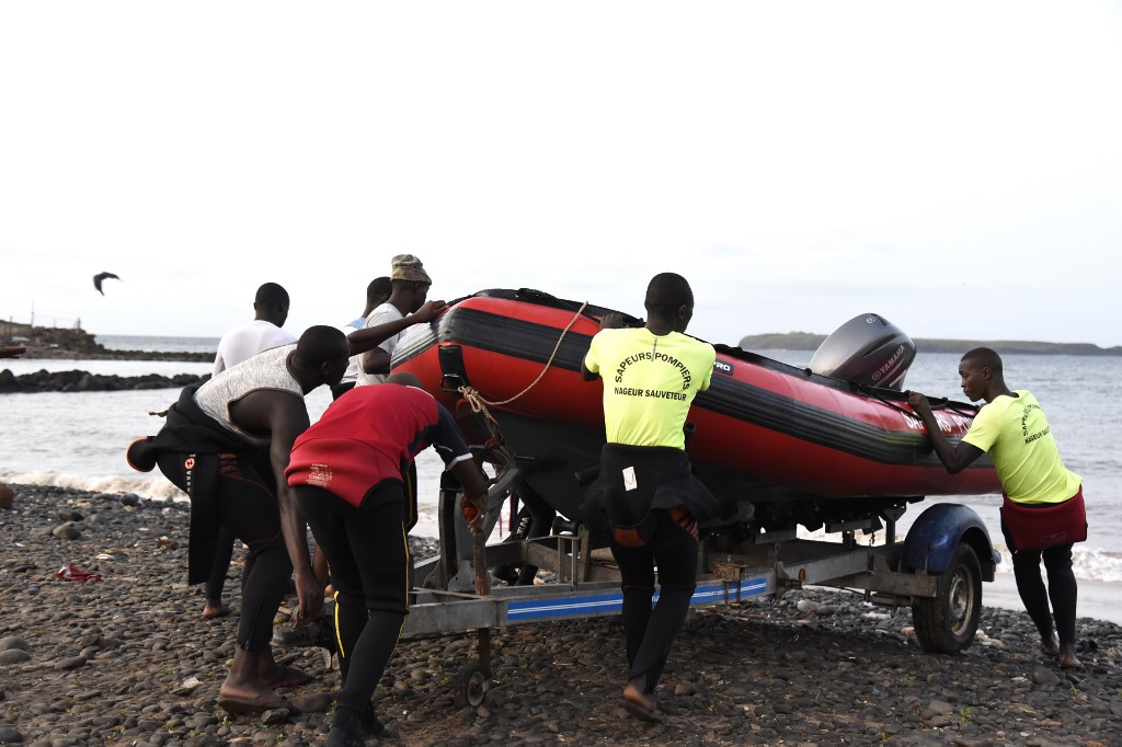4 killed, 3 missing from tourist boat accident in Senegal
