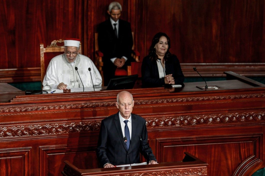 Newly sworn-in Tunisia president vows to revive divisions
