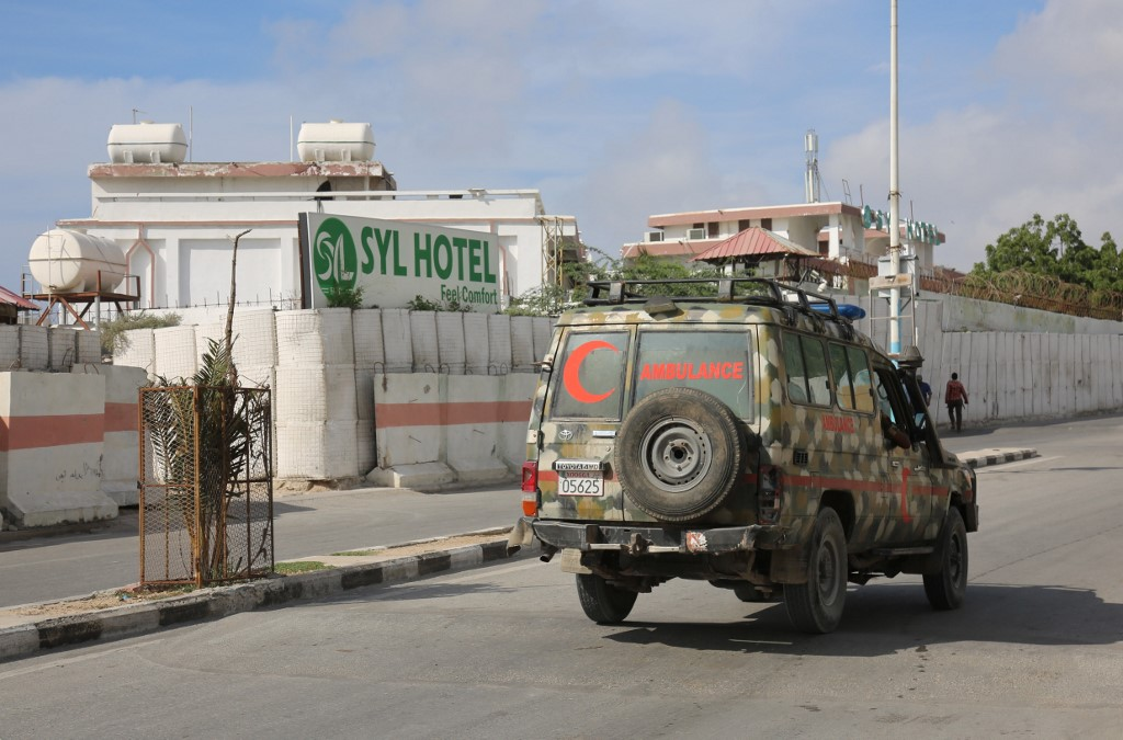 Al Shabaab members attack hotel in Mogadishu, Somalia's capital; kills 5