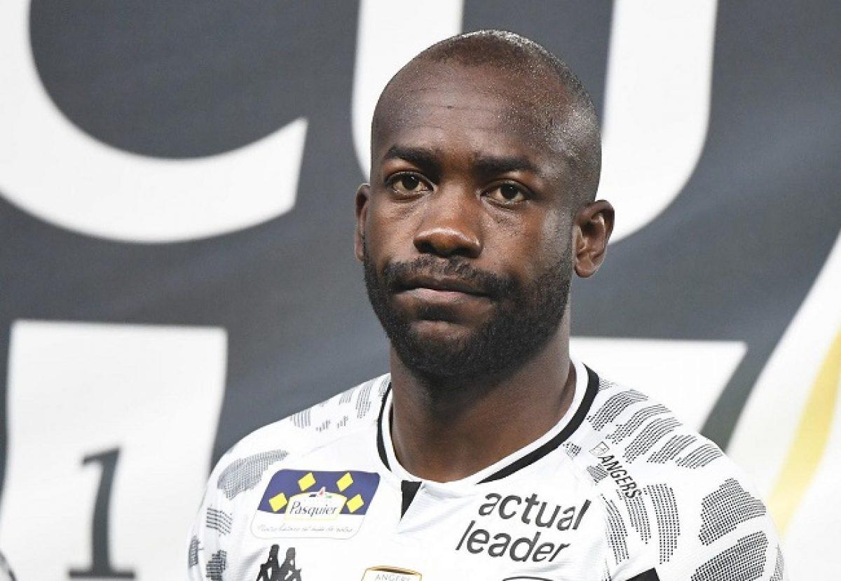 Bahoken - Cameroon Striker - Fine €2,000